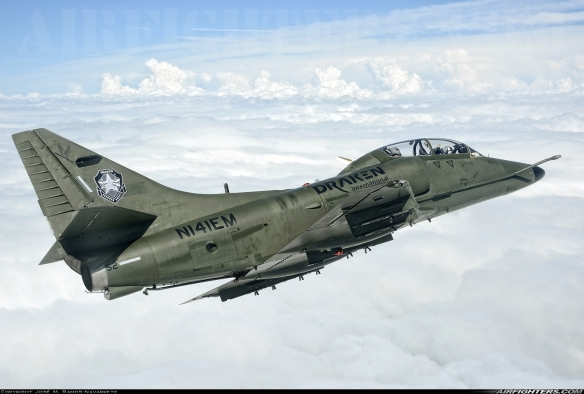 Draken-International-McDonnell-Douglas-TA-4K-Skyhawk-N141EM