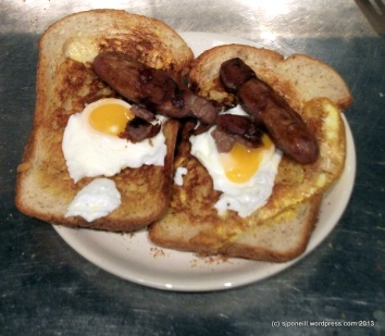 Sausage and eggs of cheese toasties