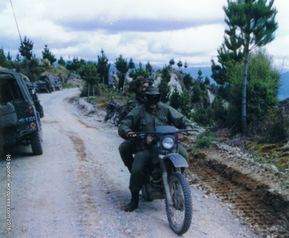 Maj Graeme Vercoe, Maj Mark Howell - Ex LOTHLORIEN Nov 86 002